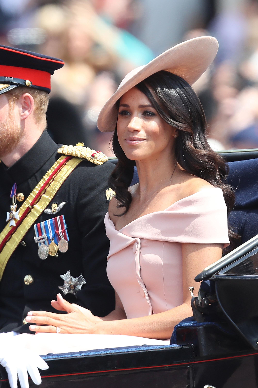 Geburtstagsparade der Queen: Meghan Markle bricht schon wieder das royale Protokoll