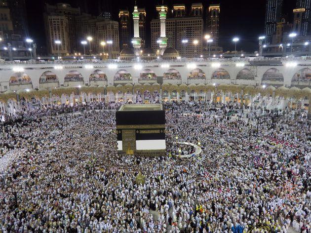 Un jeune homme se suicide du haut de la Grande mosquée à La