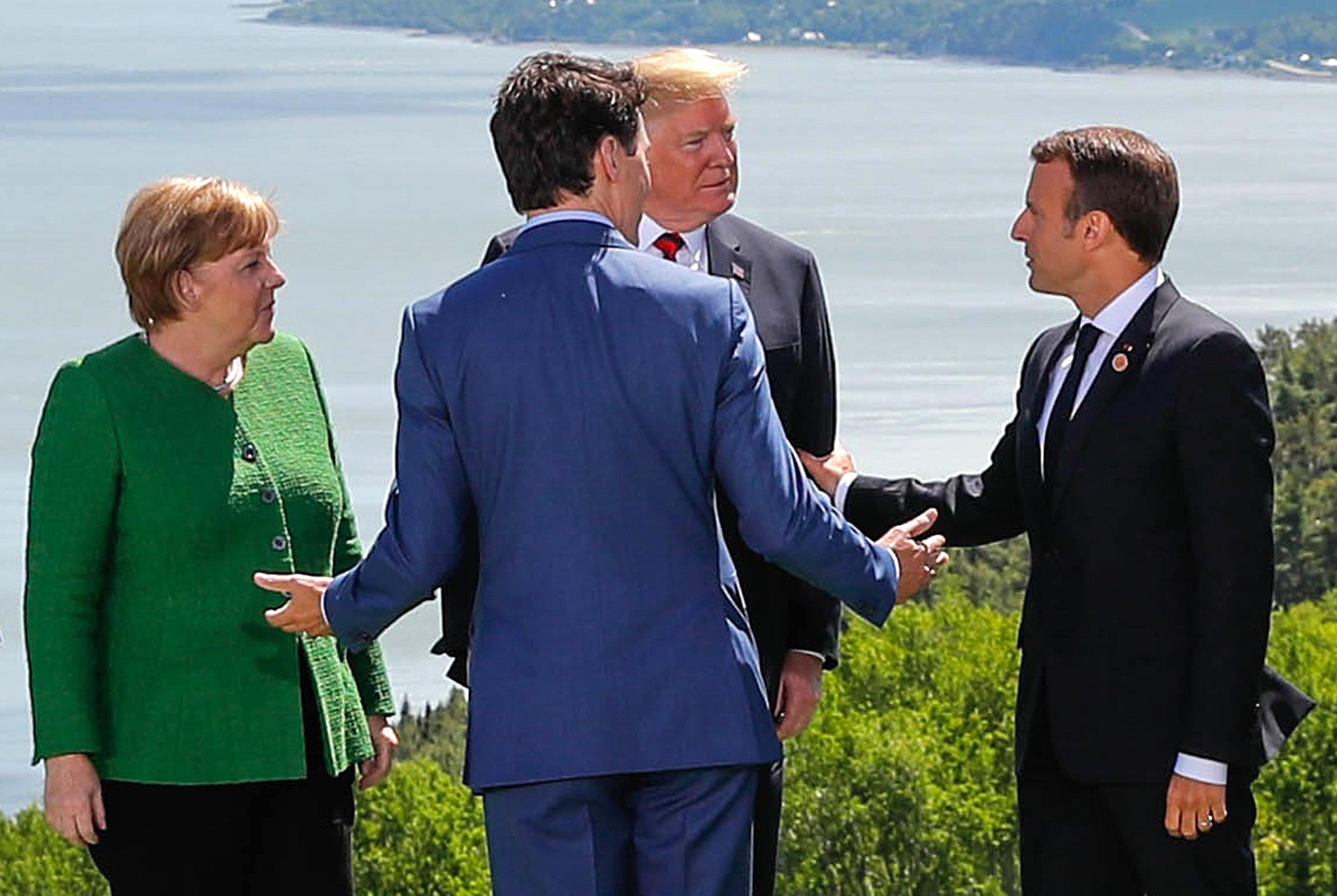 트럼프가 G7 정상회담 공동선언을 비난하며 '뒤통수'를