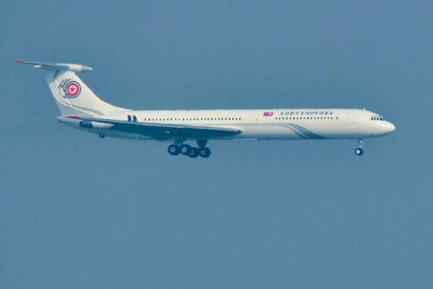 북한 김정은 전용기 추정 여객기가 싱가포르로 향하고