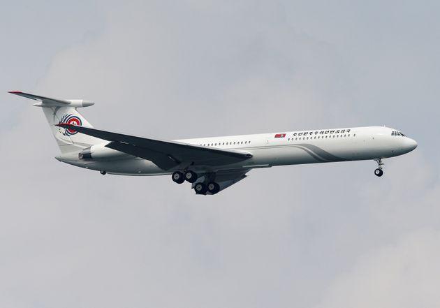 김정은 북한 국무위원장의 전용기 '참매 1호'가 10일 오후 싱가포르 창이국제공항에 착륙하는