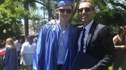 Gad Elmaleh, un papa heureux à la remise de diplôme de son fils