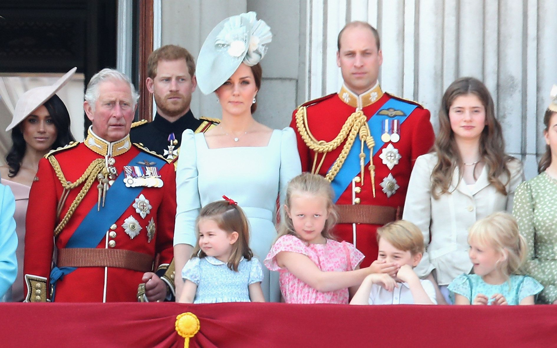 Experte: Deshalb trägt Herzogin Kate dieselbe Farbe wie Prinzessin Charlotte