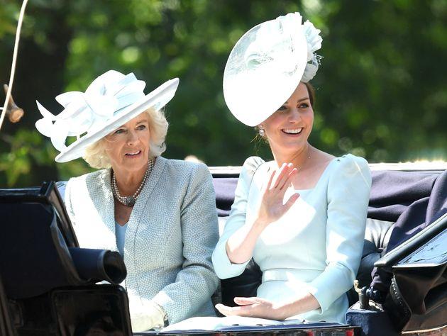 Camilla, Duchess of Carnwall, und Kate, Duchess of Cambrige,in der