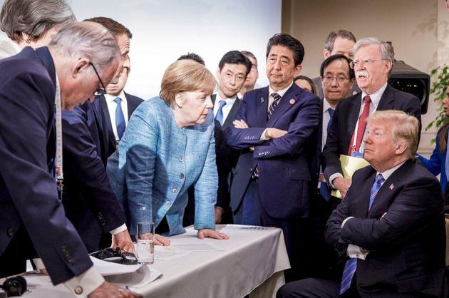 US-Präsident Donald Trump (rechts) umringt von den anderen Staats- und Regierungschefs der G7-Mitgliedsstaaten.