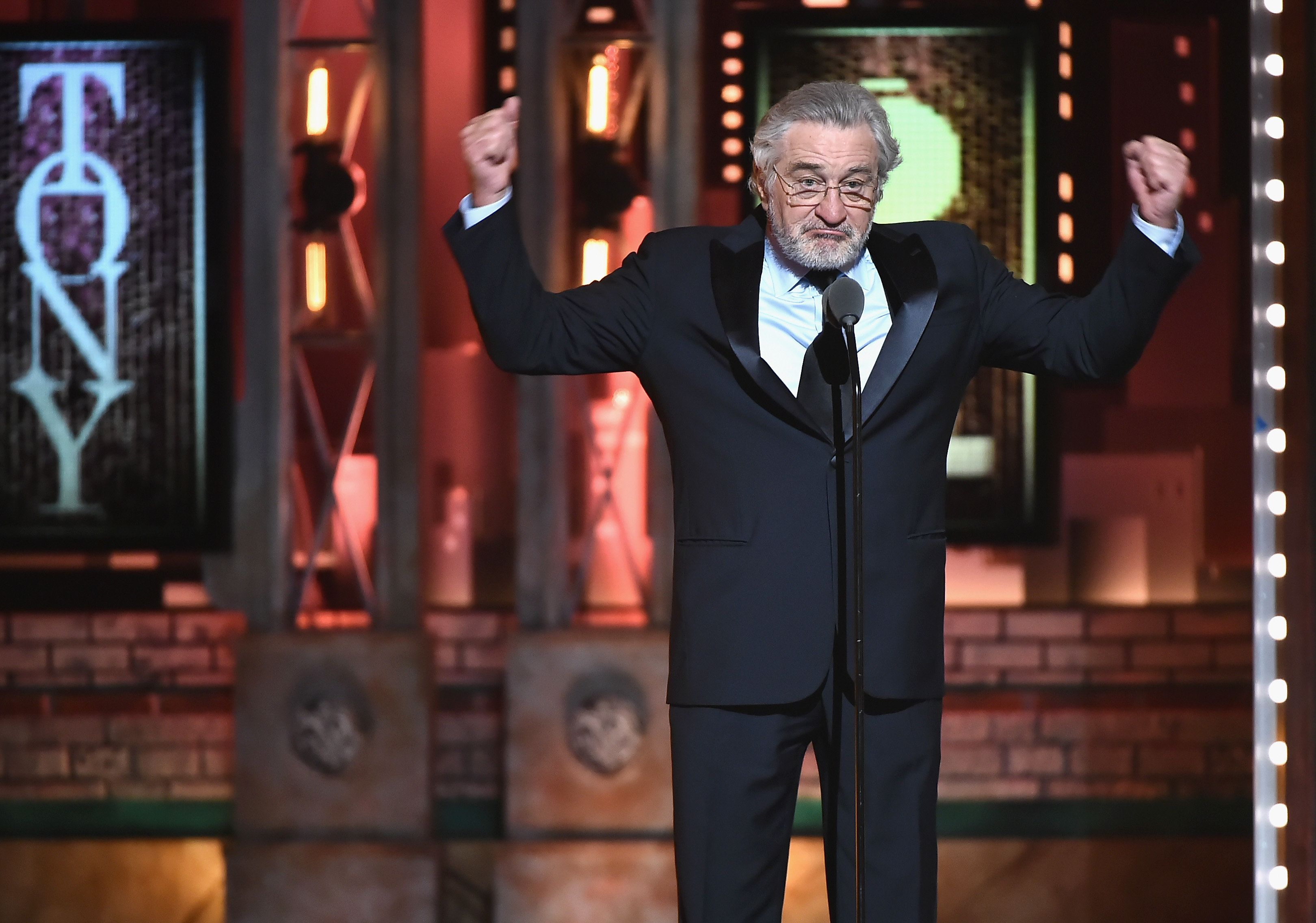 Robert De Niro Says 'F**k Trump' Twice At Tony