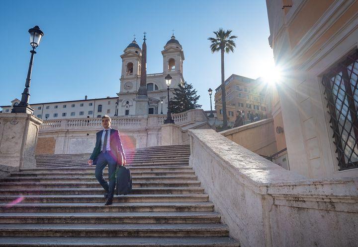 로마엔 역시 훈남 가득! '로마의 휴일'의 오드리 햅번이 이 아저씨를 먼저 봤다면 그레고리 팩은 눈에도 안 들어왔을 듯! 스페인 광장