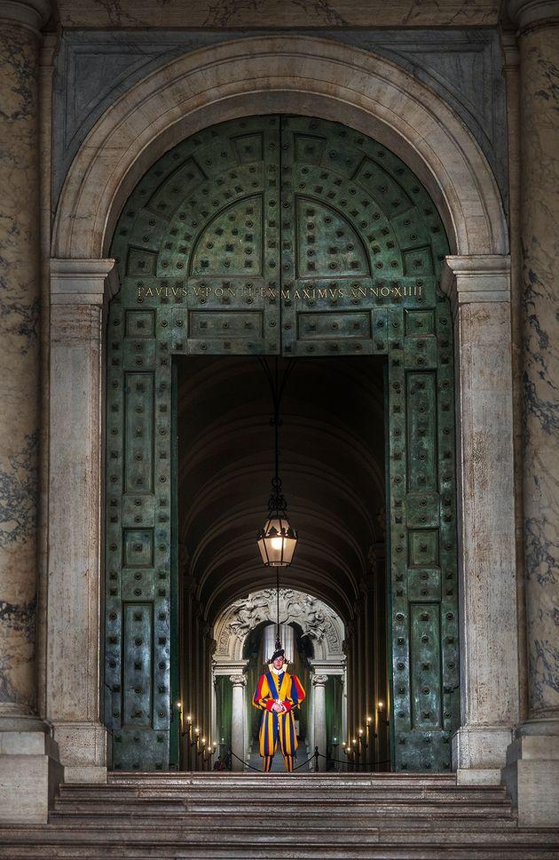 베드로 대성당을 지키는 바티칸