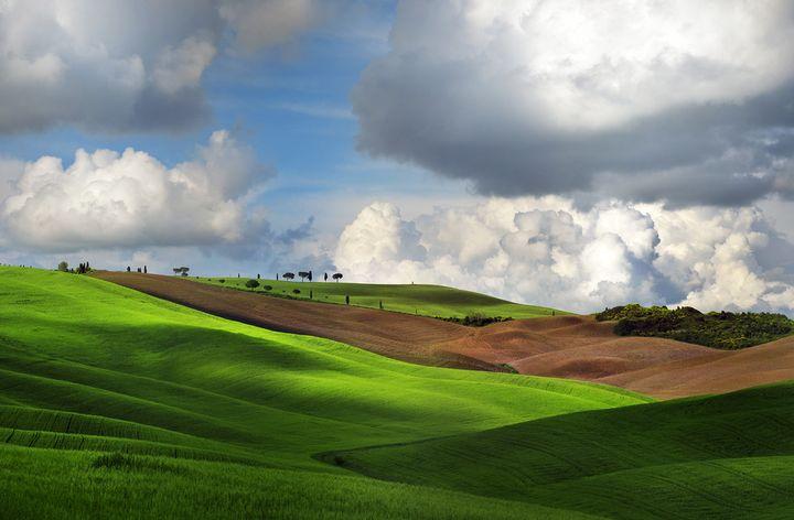 저 푸른 초원 위에 그림 같은 집을 짓고 살고 싶은 발 도르차 평원의 풍경