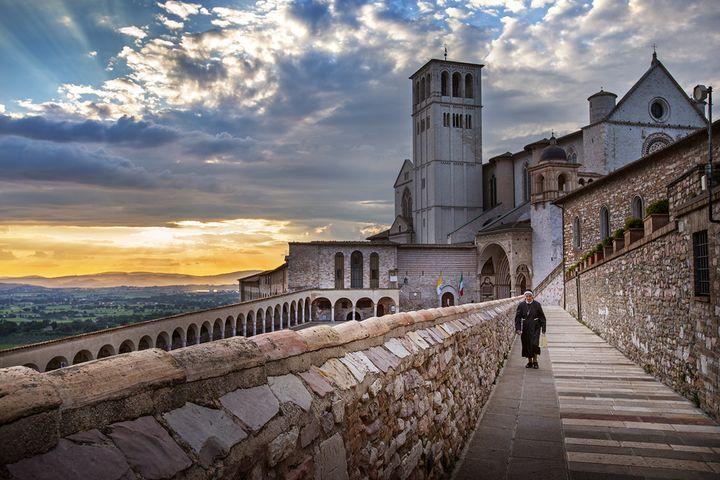 성 프란체스코 성당과 수녀님