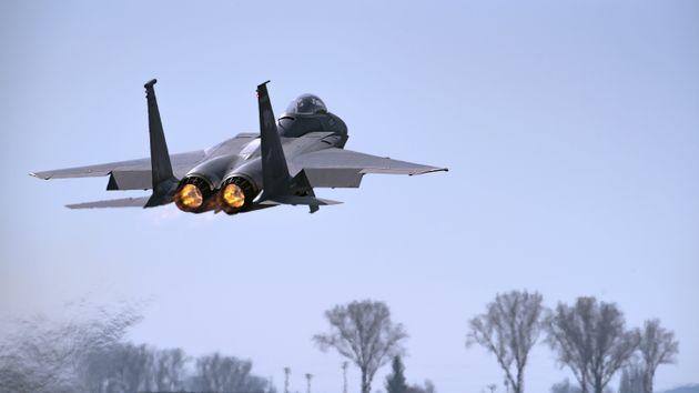 Αμερικανικό μαχητικό F-15 κατέπεσε στη θάλασσα στα ανοικτά της
