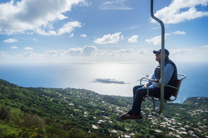 카프리섬 정상으로 올라가는 리프트