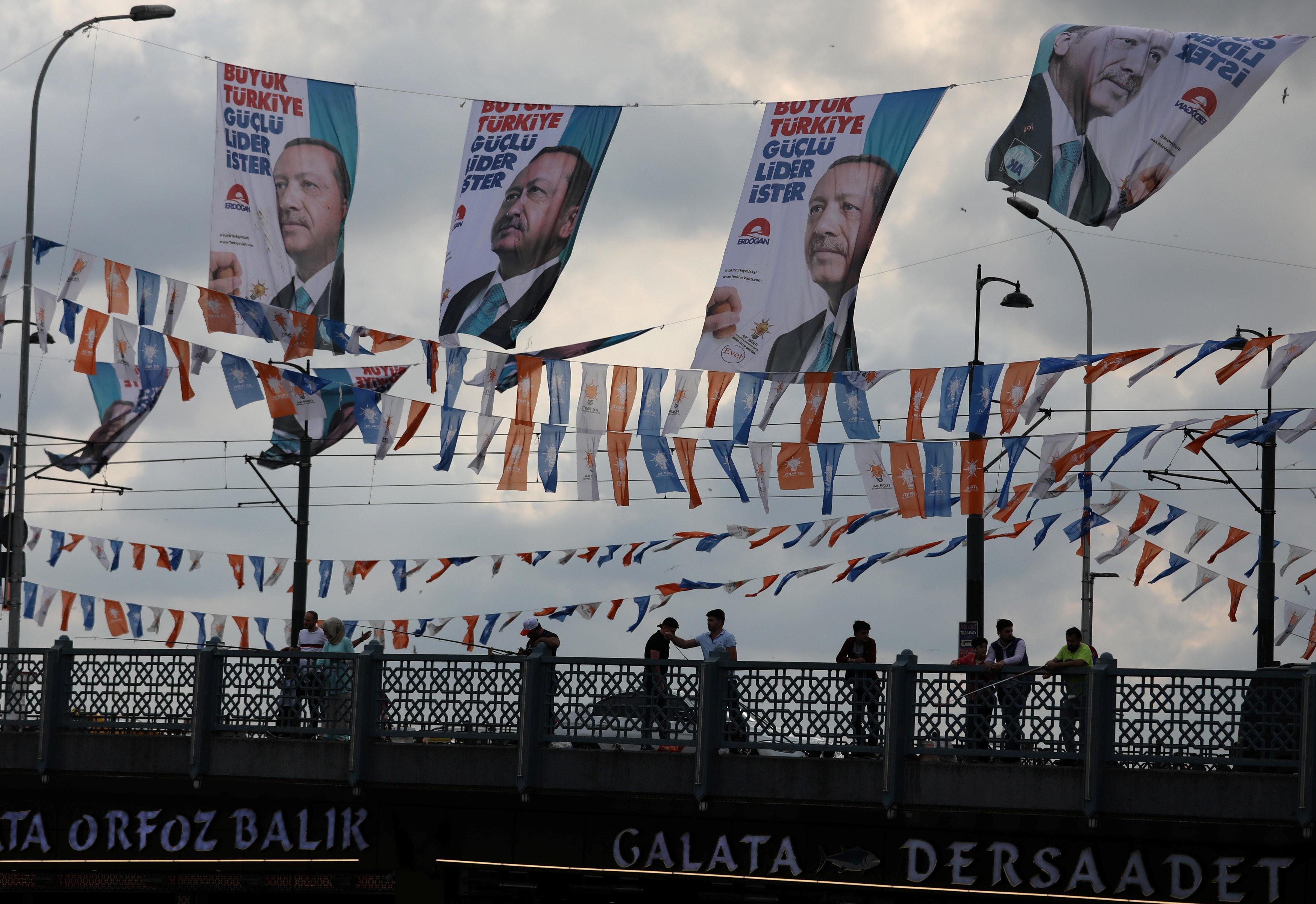 Τι πραγματικά σημαίνει η τουρκική υπαναχώρηση από τη διμερή συμφωνία για την επαναεισδοχή των προσφύγων