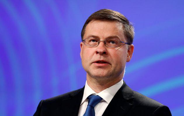 Ντομπρόβσκις: Πρέπει να είναι εμπροσθοβαρή τα μέτρα για το