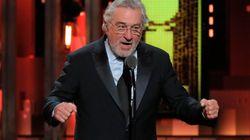 """De Niro censuré mais acclamé pour son """"Fuck Trump"""" aux Tony Awards"""