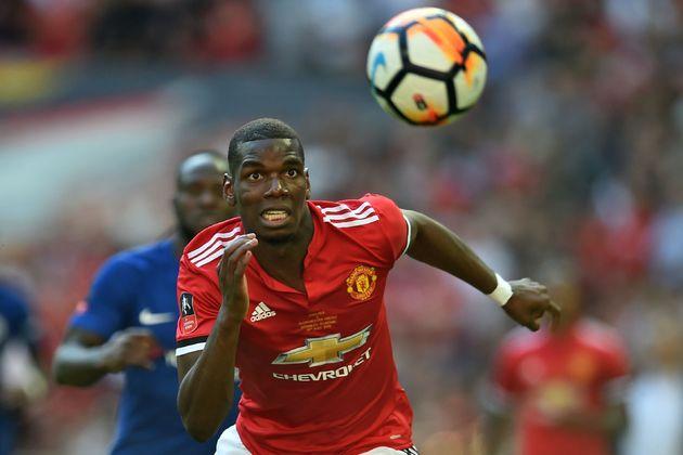 Paul Pogba enfrentó burlas de sonidos de mono de una multitud en un estadio durante un juego amistoso...