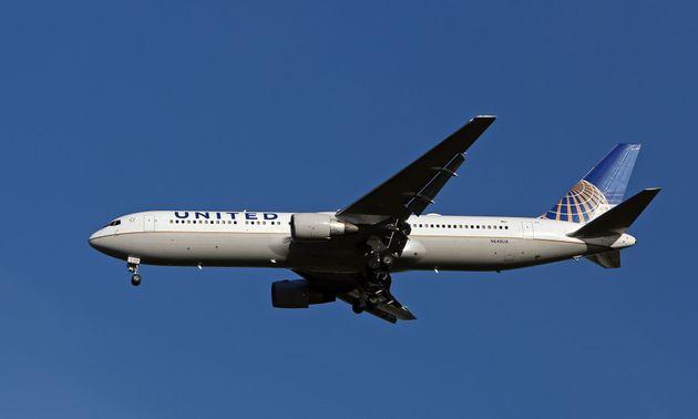 Απειλητικό μήνυμα για βόμβα σε πτήση της United Airlines με προορισμό το