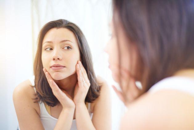 Lávate la cara todas las mañanas para evitar irritaciones de la