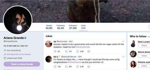 Screenshots of the tweets Ariana Grande