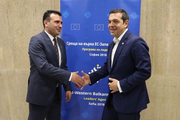 Εν όψει νέας τηλεφωνικής επικοινωνίας Τσίπρα- Ζάεφ: Τι προβλέπει η συμφωνία για το ονοματολογικό της
