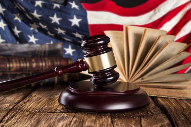 Περιορίζουν οι ΗΠΑ το δικαίωμα ασύλου και για τις περιπτώσεις ενδοοικογενειακής