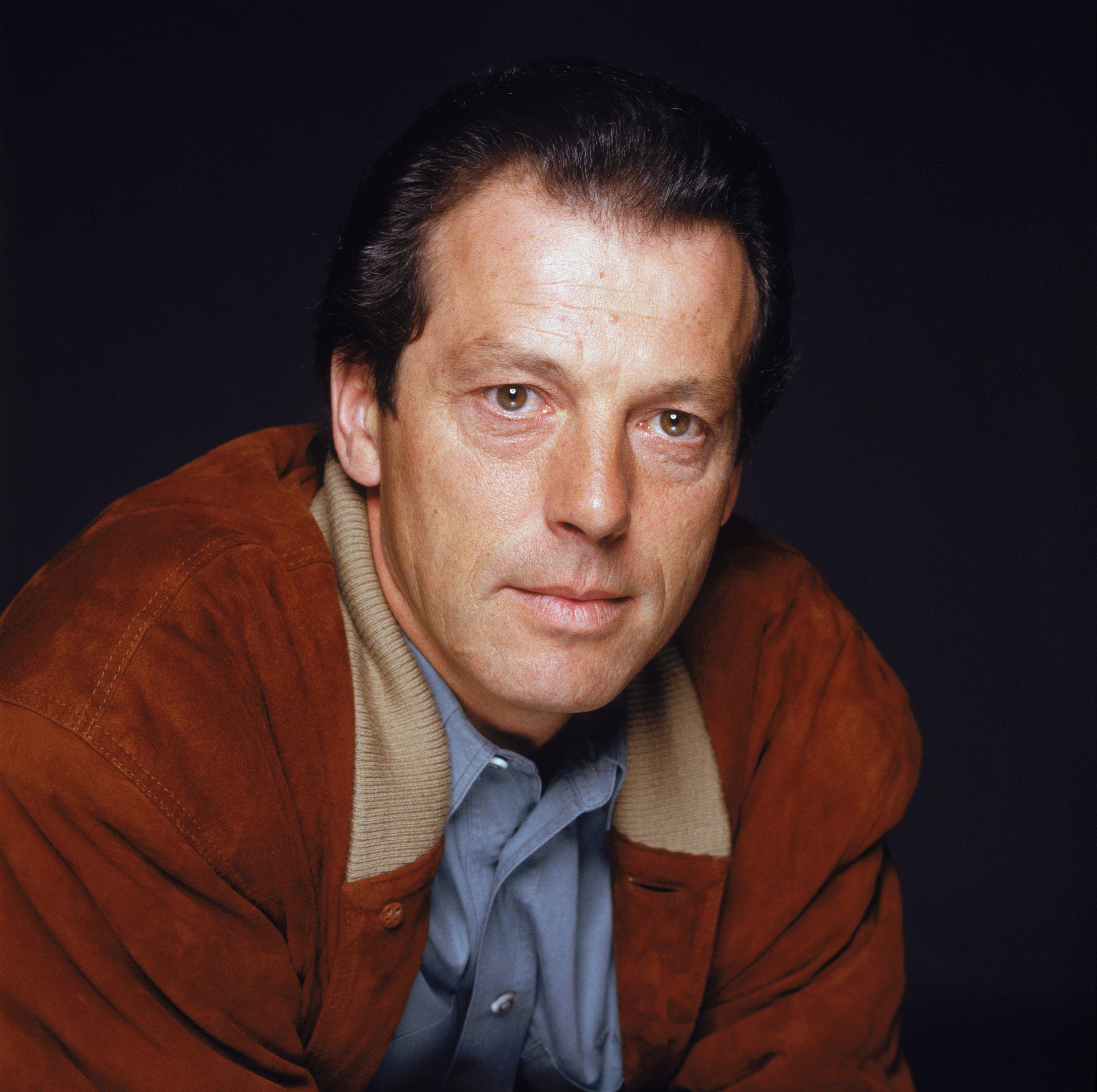 'EastEnders' Star Leslie Grantham Fighting For His