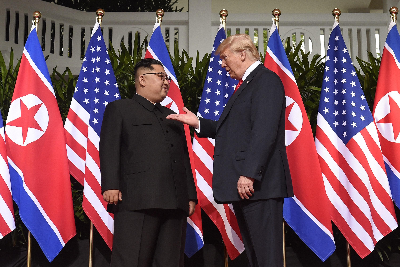 Videos: Trump trifft Kim - Historisches US-amerikanisch-nordkoreanisches Treffen in Singapur