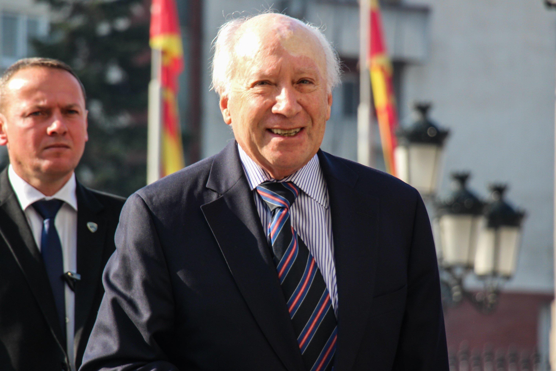 Χαιρετίζει ο Νίμιτς τη συμφωνία για την ονομασία της ΠΓΔΜ