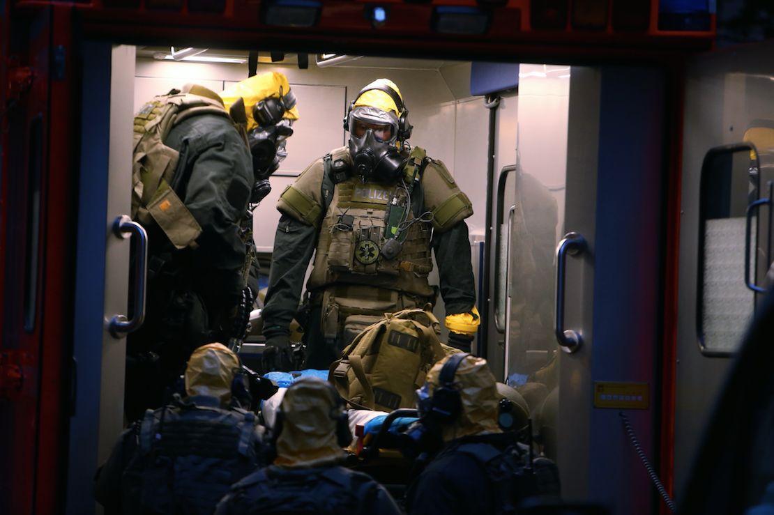 Im Kölner Stadtteil Chorweiler stürmte die Polizei wegen des Verdachts auf Umgang mit...