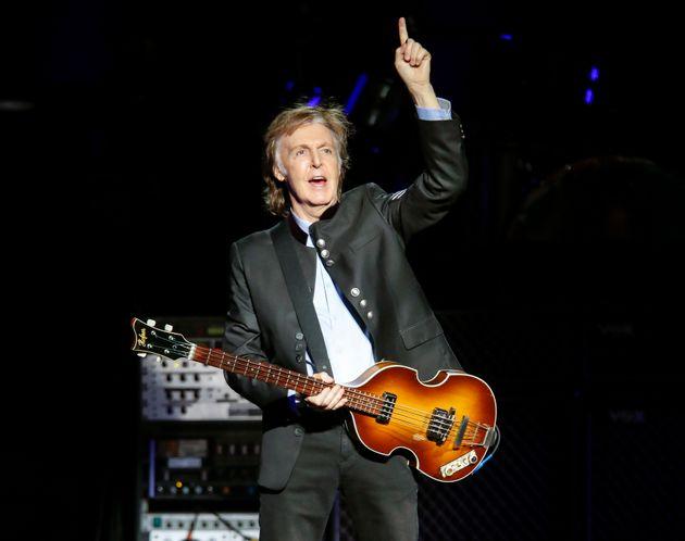 Ο Paul McCartney δίνει συναυλία-έκπληξη στο Liverpool-και οι θαυμαστές