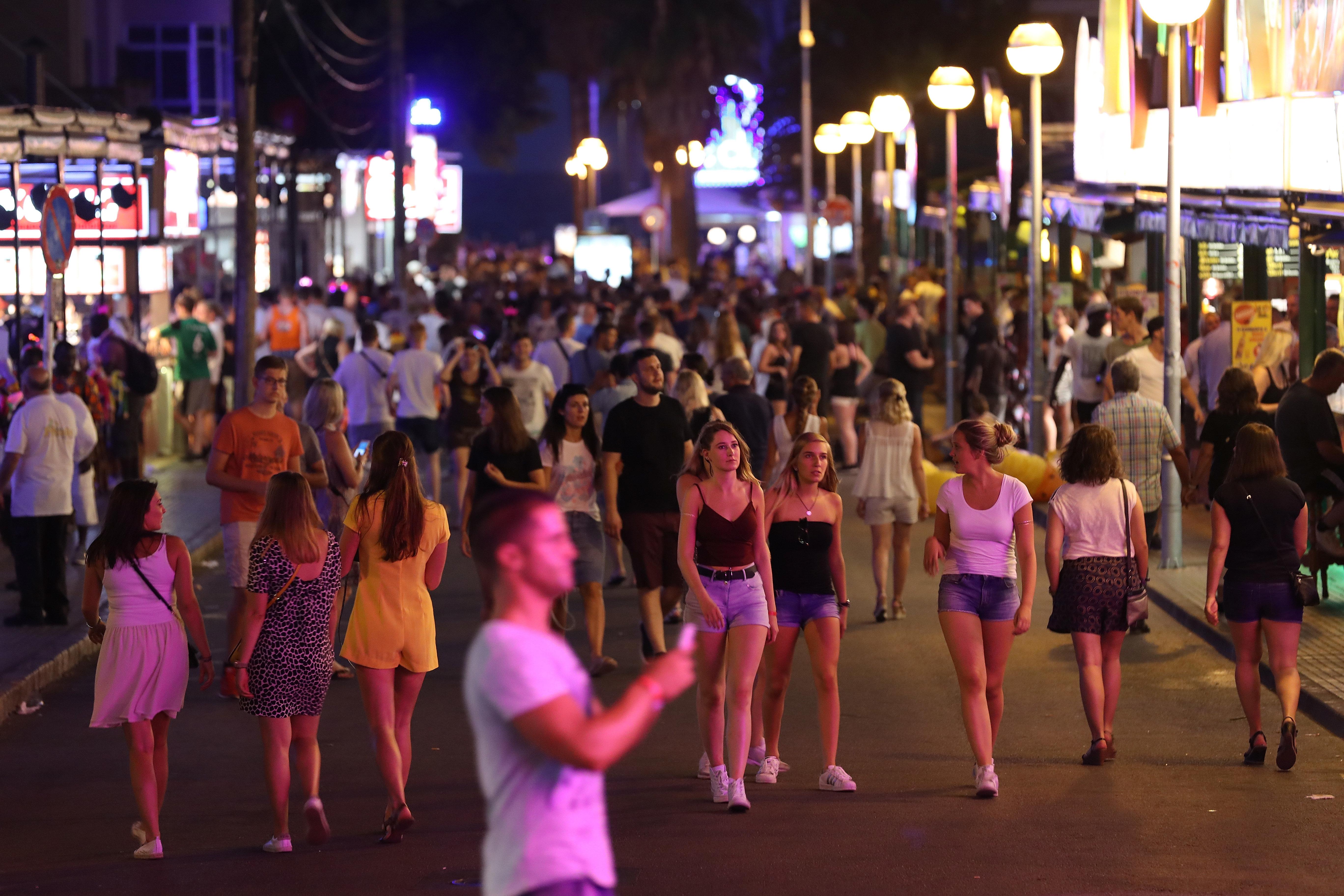 Mallorca: Polizei warnt Urlauber vor Dieben während der WM-2018