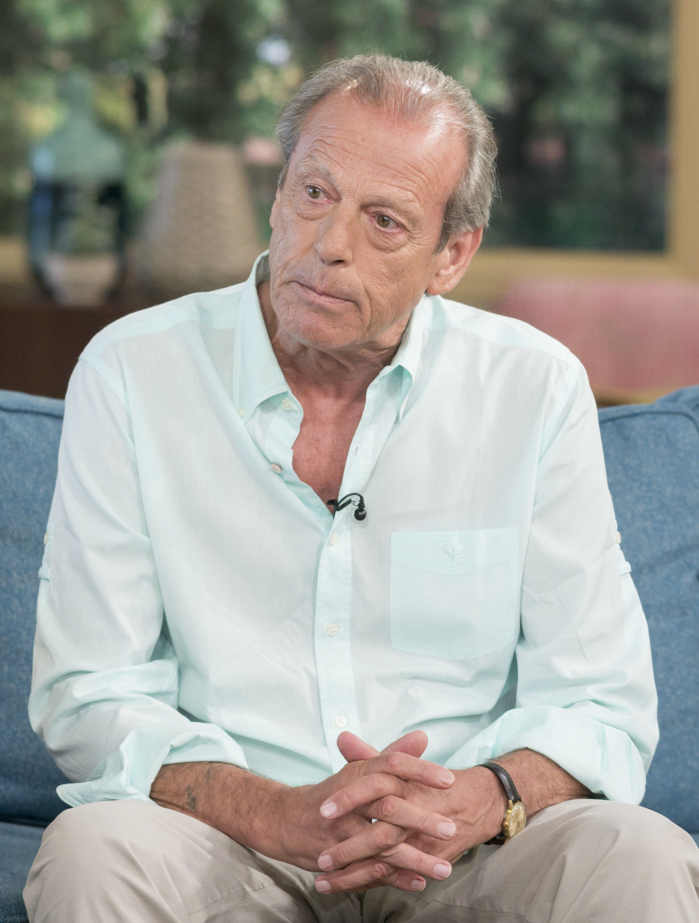 Leslie Grantham has died at the age of