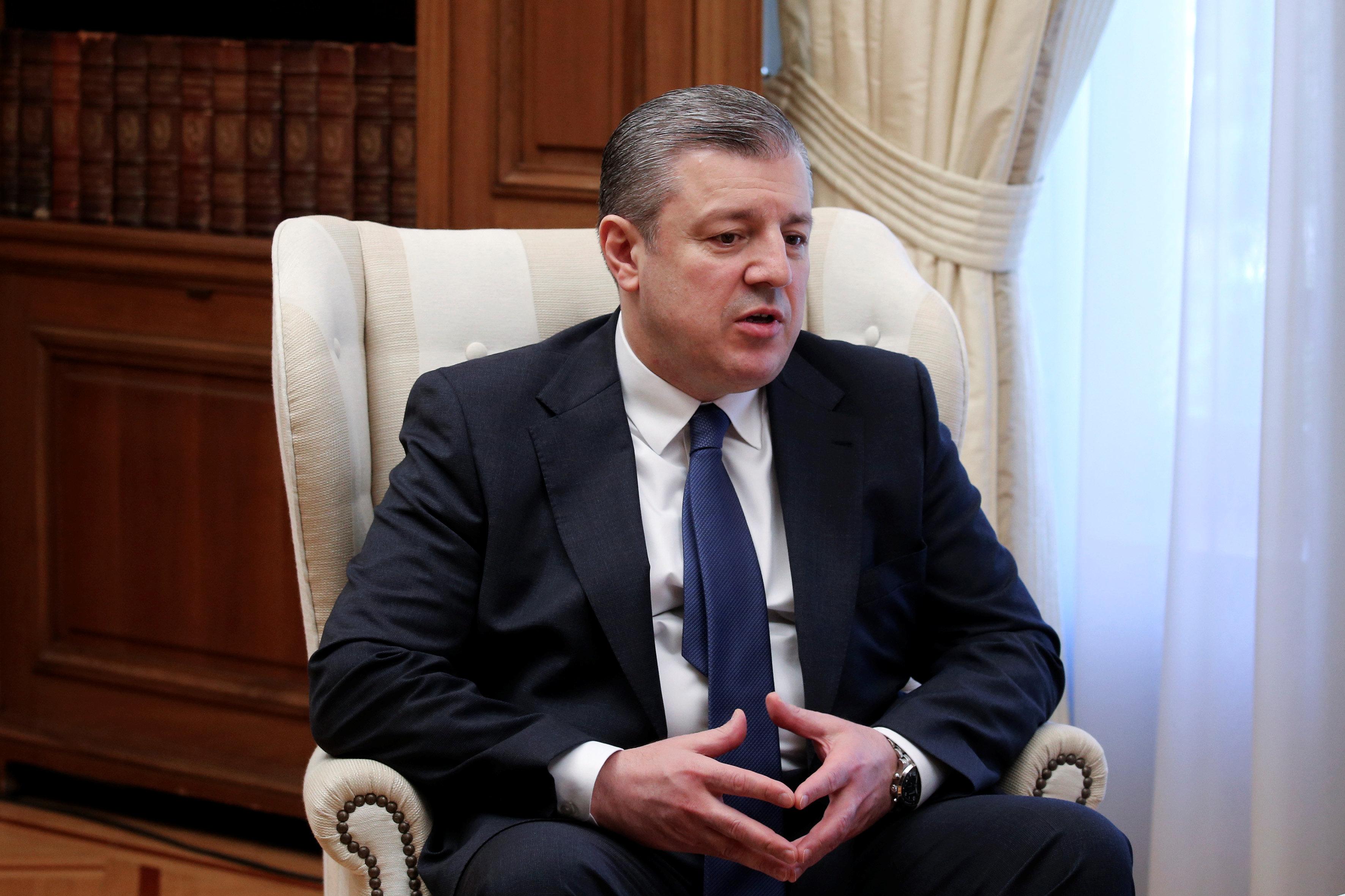 Γεωργία: Παραιτήθηκε ο πρωθυπουργός λόγω διαφωνιών με τον ηγέτη του κυβερνώντος κόμματος (και πλουσιότερο άνθρωπο της