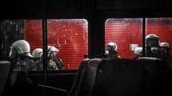 Μοτοπορεία οπαδών επιτέθηκε σε διμοιρία των ΜΑΤ στα