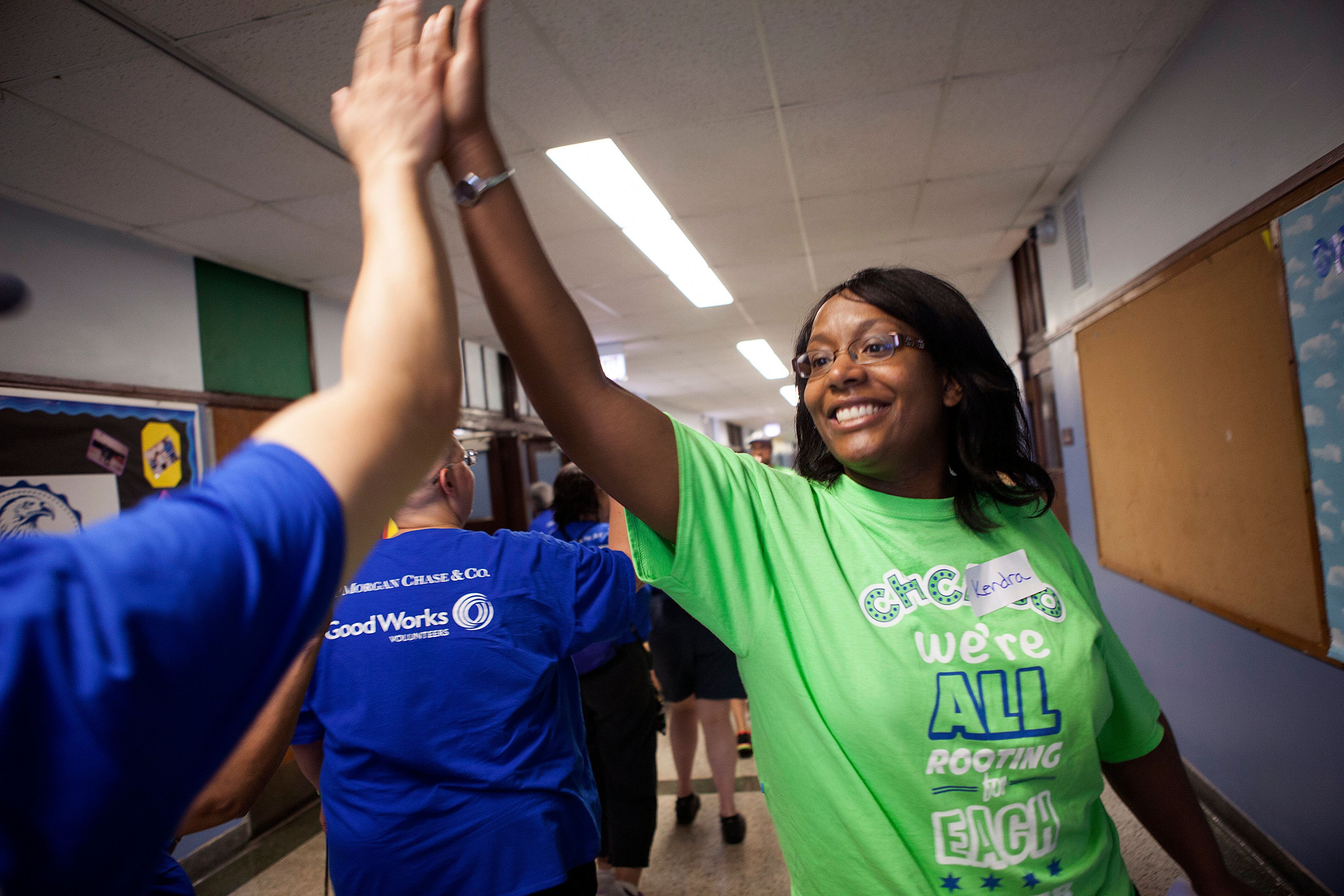 Chicago Cares volunteers at a local elementary school.