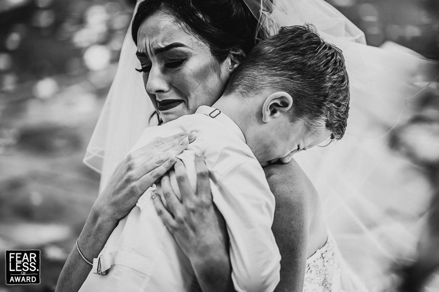 27 Award-Winning Wedding Photos That Are Too Stunning To Look Away From