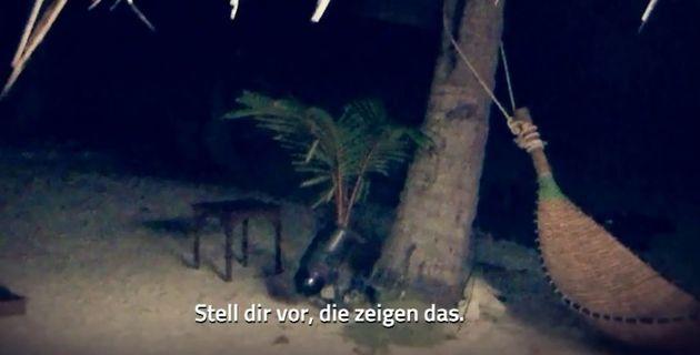 Geheimes Gespräch zwischen Carina und Philipp am Strand: