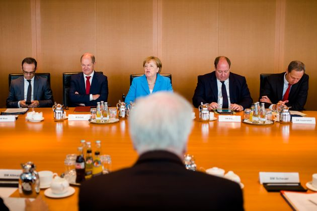 Merkel gegen Seehofer: 6 Szenarien, wie der Asylstreit ausgehen