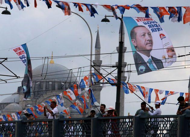 Προεκλογικές υποσχέσεις Ερντογάν. Δεσμεύεται πως θα άρει την κατάσταση έκτακτης ανάγκης αν