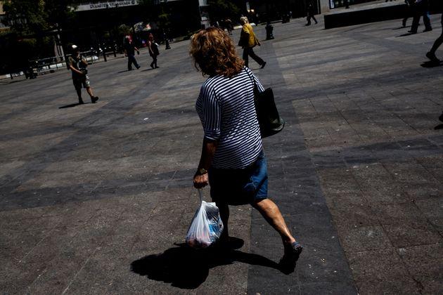 Γενική δυσαρέσκεια στην Ελλάδα καταγράφει νέο Ευρωβαρόμετρο. 1 στους 2 πιστεύει πως τα χειρότερα