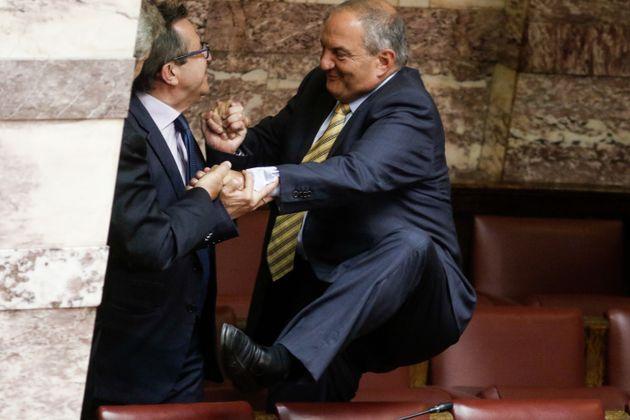 Χοπ - χοπ στη Βουλή για τον