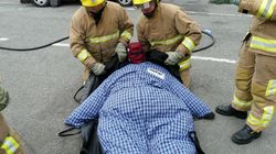 Firefighters Are Training With 40st Mannequins To Prepare Them For Rescuing Obese