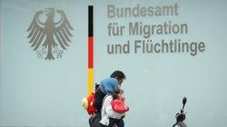 Απέλαση των παράνομων μεταναστών θέλει η πλειοψηφία των Γερμανών και τάσσεται υπέρ των συνοριακών κέντρων