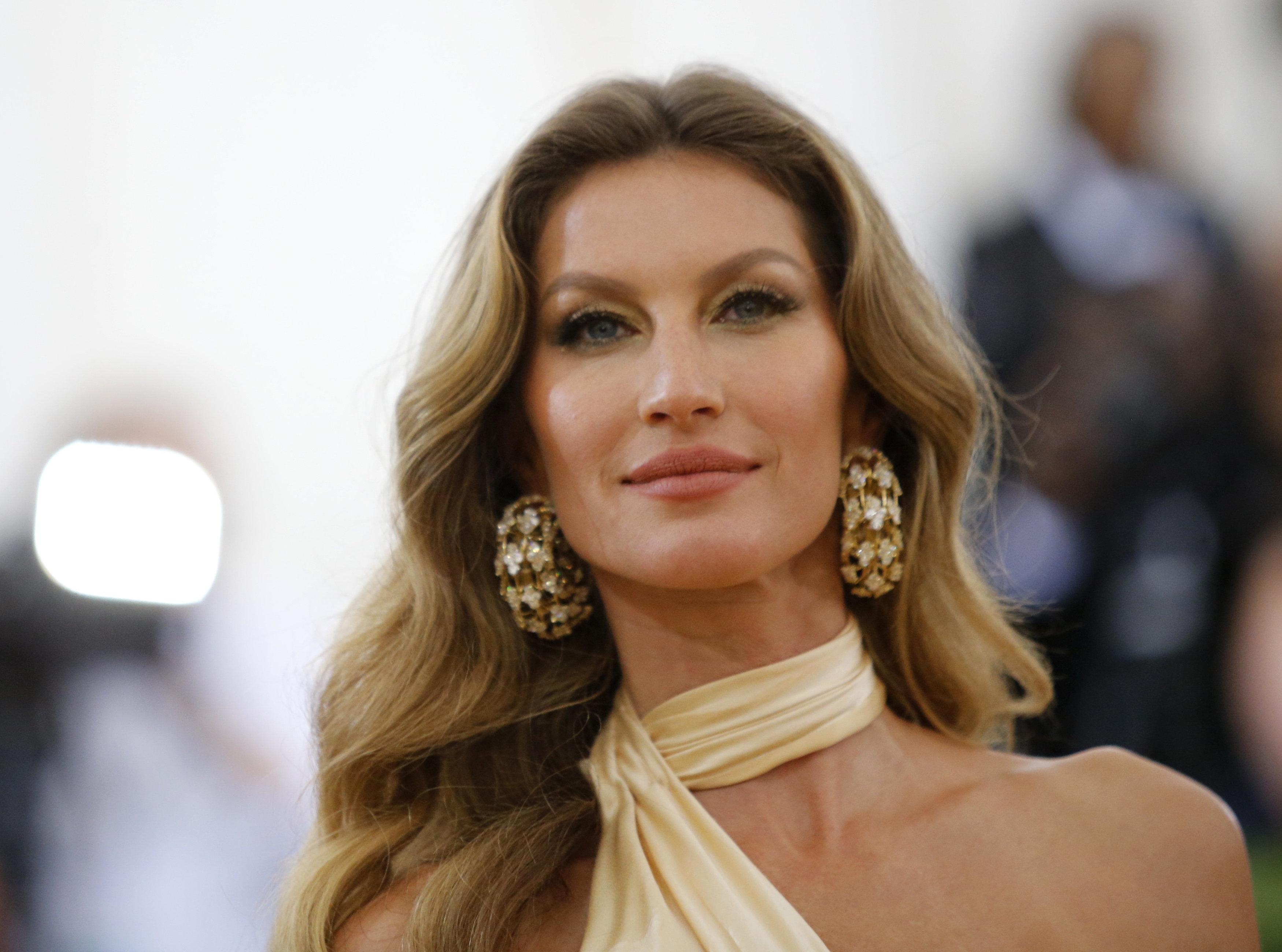 Vogue: Η συγνώμη της Gisele Bundchen για τα σχόλια προς τα νέα μοντέλα που χρησιμοποιούν το Instagram...