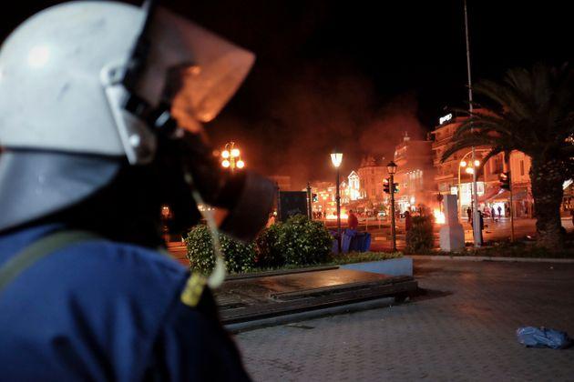Μυτιλήνη: Έρευνες σε σπίτια στο πλαίσιο της προανάκρισης για επιθέσεις σε