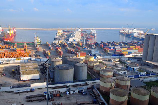 Des tentatives de contrebande d'une importante quantité de carburant déjoués à Souk-Ahras, Tébessa et