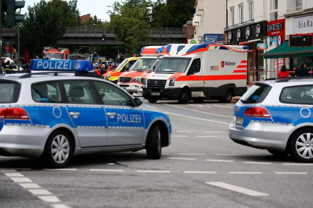 Νεκρή 25χρονη από επίθεση άνδρα με μαχαίρι στο