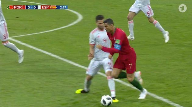 Ronaldo kurz vor dem Fall im Spiel Portugal gegen