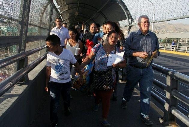 Aux USA, 2.000 enfants de migrants séparés de leurs parents en six