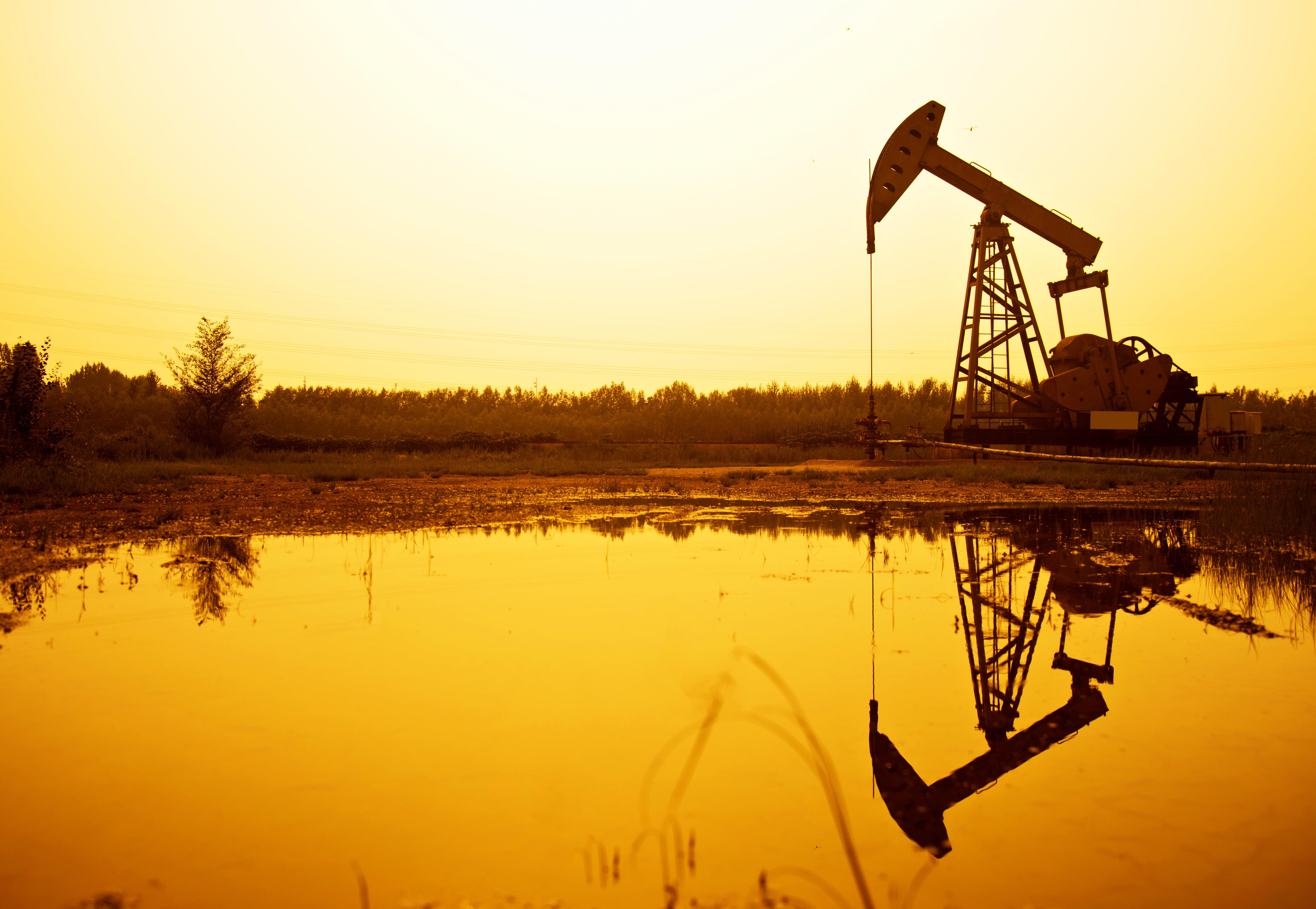 Αιφνιδιασμός από το Πεκίνο με δασμούς σε αργό πετρέλαιο, φυσικό αέριο και άλλα ενεργειακά
